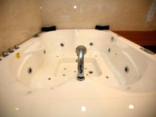 Rawai Grand House Phuket - Hot Tub