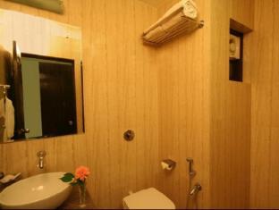 Calangute Grande Hotel North Goa - Bathroom