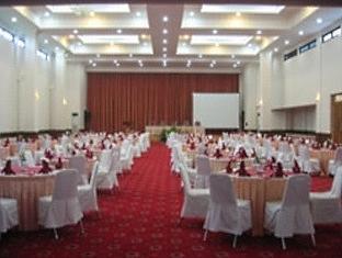 Puri Khatulistiwa Hotel Bandung - Ballroom
