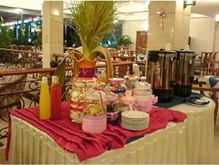 Puri Khatulistiwa Hotel Bandung - Restaurant