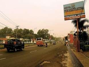 Puri Khatulistiwa Hotel Bandung - Surroundings
