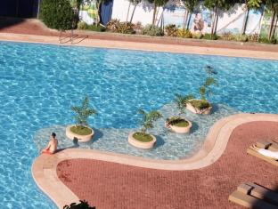 Sotogrande Hotel & Resort Mactan Island - Pool