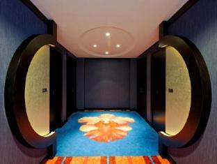 Resorts World Sentosa - Festive Hotel Singapore - Hallway