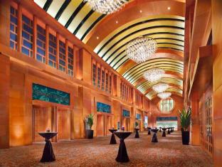 Resorts World Sentosa - Festive Hotel Singapore - Compass Ballroom-Lobby