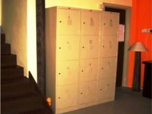 Anjung KL Guesthouse Kuala Lumpur - Common Locker