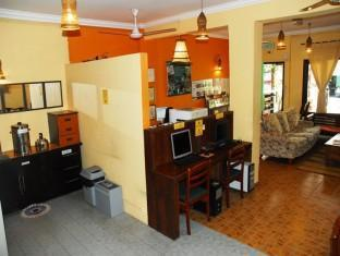 Anjung KL Guesthouse Kuala Lumpur - Common Pantry