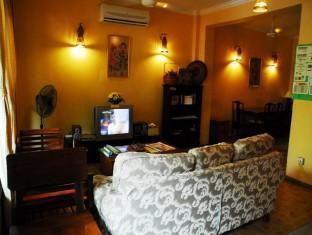Anjung KL Guesthouse Kuala Lumpur - Common TV Area