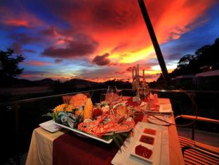 Sea Pearl Villas Resort Phuket - Food, drink and entertainment