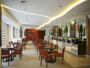 St Giles Makati - St Giles Classic Hotel Manila - Restaurant