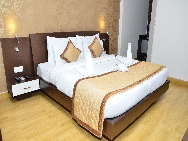 Clark Surya Hotel - Hotell och Boende i Indien i New Delhi And NCR