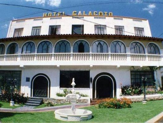 Hotel Calacoto - Hotels and Accommodation in Bolivia, South America