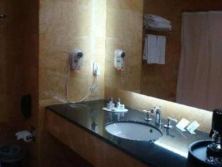 Eurobuilding Express Maiquetia Hotel Caracas - Bathroom