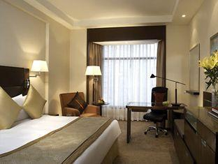 Shangri-la Hotel - Room type photo