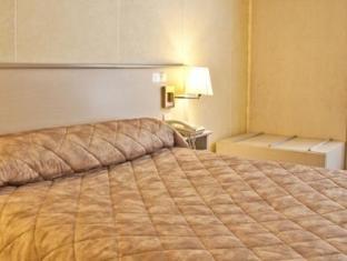 Hotel de Paris Montmartre Parijs - Gastenkamer