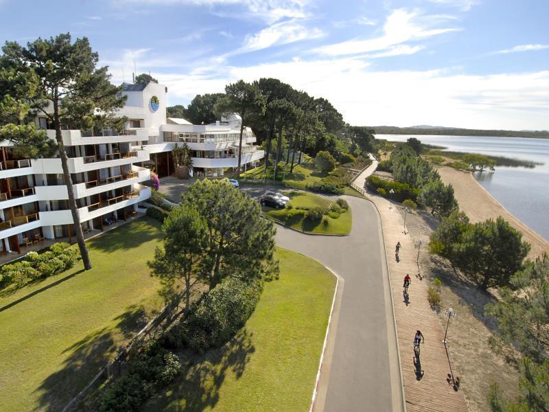 Hotel del Lago Golf & Art Resort - Hotels and Accommodation in Uruguay, South America