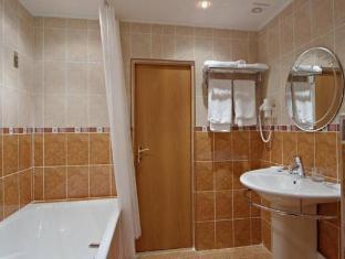 Molodyozhny Hotel Moscow - Bathroom