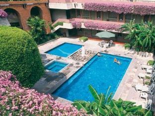 Ne Nueva Estancia Hotel Leon - Swimming Pool