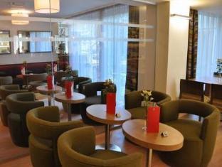 Ramada And Suite Vienna Hotel Vienna - Lobby