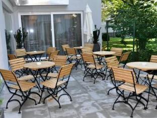 Ramada And Suite Vienna Hotel Vienna - Surroundings