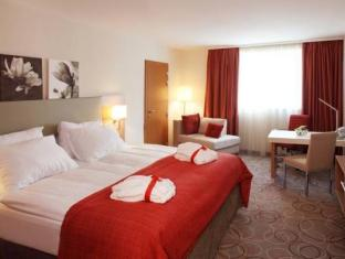 Ramada And Suite Vienna Hotel Vienna - Guest Room