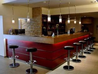 Ramada And Suite Vienna Hotel Vienna - Coffee Shop/Cafe
