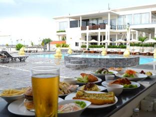 Hotel Cambodiana Phnom Penh - Breeze Poolside Bar
