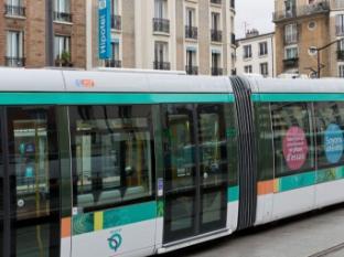 Hipotel Paris Printania Paris - Nearby Transport