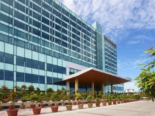 Four Points By Sheraton Kuching Hotel קוצ'ינג - בית המלון מבחוץ