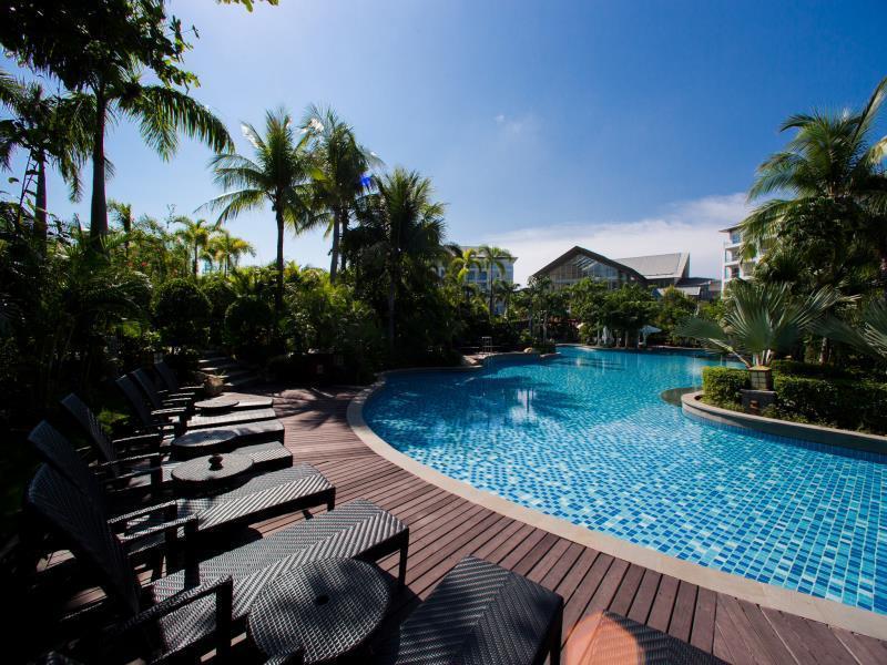 Mingshen Golf & Bay Resort1