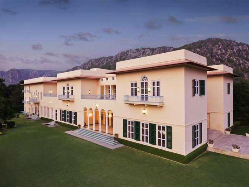 The Gateway Hotel Ramgarh Lodge Jaipur - Hotell och Boende i Indien i Jaipur