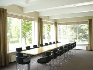Rannahotell פרנו - חדר ישיבות