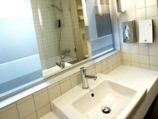 Quality 33 Hotel Oslo - Bathroom