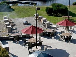 Barkers Island Inn Resort & Conference Center in Duluth