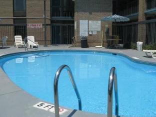 Days Inn Easley West Of Greenville Clemson Area Easley (SC) - Swimming Pool