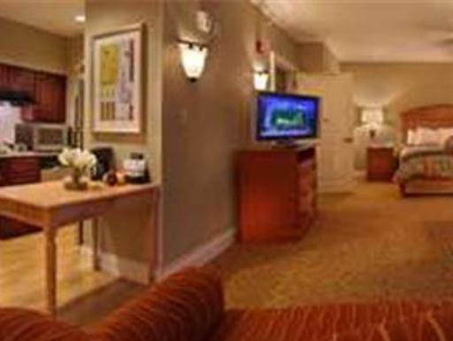 ➦  Hilton Worldwide    (Florida) customer rating