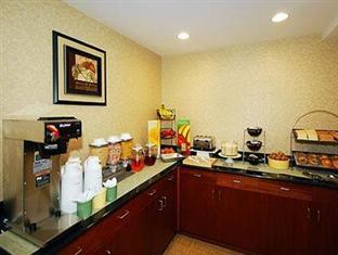 Quality Inn Jamaica AirTrain New York (NY) - Food, drink and entertainment