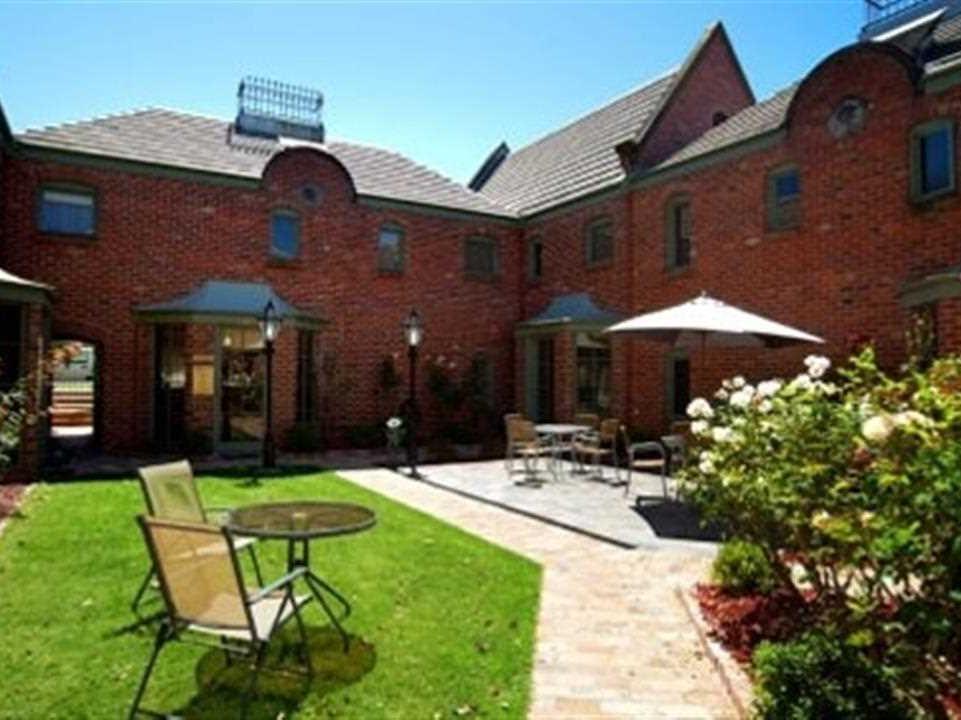 Quest Ballarat Mews Hotel - Hotell och Boende i Australien , Ballarat