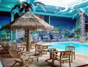 Ramada Plaza Crystal Palace Hotel Dieppe (NB) - Swimming Pool