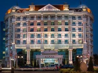 阿拉木图胜利之林酒店