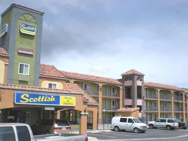 Scottish Inn And Suites Corona