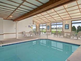 Super 8 Watertown WI Hotel Watertown (WI) - Swimming Pool