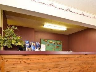 Best Western Cozy House & Suites Williamsburg (IA) - Reception