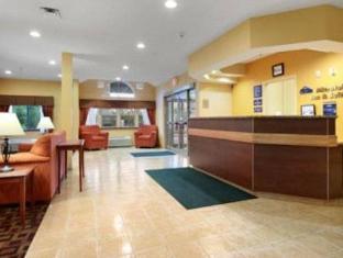 Microtel Inn And Suites By Wyndham Verona Motel Verona (NY) - Reception