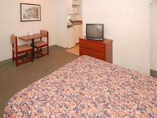 Suburban Extended Stay West Six Flags Hotel Lithia Springs (GA) - Guest Room