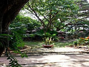Moana Hotel Inn and Diving Center Puerto Princesa City - Exterior