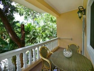 Sun Apartelle Hotel Bohol - 2 and 4 Bed Apartment Balcony