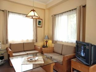 Sun Apartelle Hotel Bohol - 2 Bed Apartment Living Area