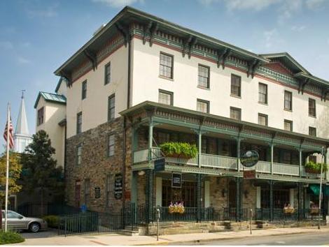 Lambertville House Hotel