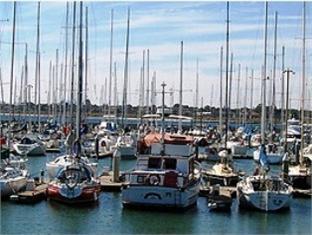 Bayside Yacht