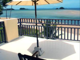 Lanta All Seasons Beach Resort Koh Lanta - Balcony for Deluxe Beach Front